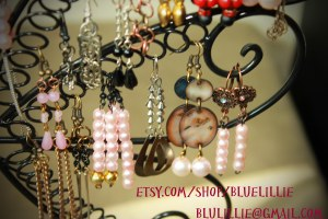bluelillie etsy logo